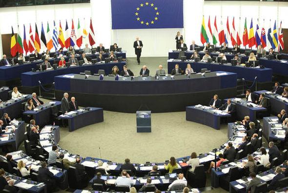 EU-326903